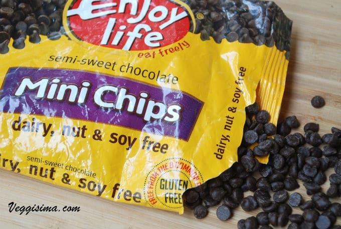 Los chips de chocolate que uso son semidulces, sin leche y son de la marca Enjoy Life.