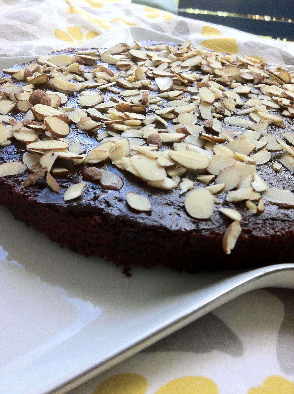 tarta vegana de chocolate, tarta de chocolate, chocolate vegano, receta de pastel de chocolate vegano, pastel vegano de chocolate,