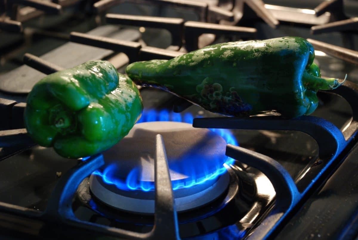 como hacer chiles rellenos sin huevo, chiles rellenos veganos, receta vegana de chiles rellenos