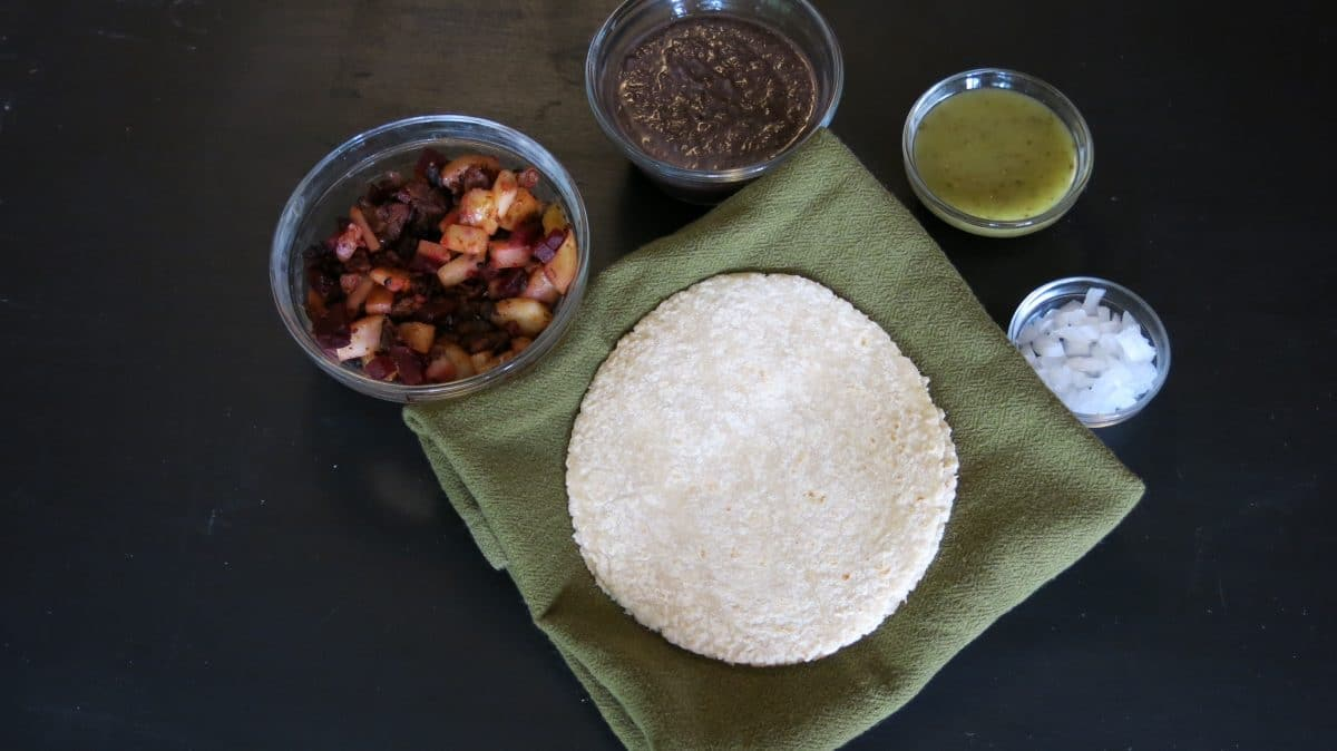 authentic mexican efrijoladas, vegan enfrijoladas, recipe for vegan enfrijoladas.